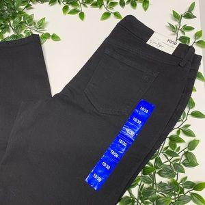 Jessica Simpson NWT Hi Rise Skinny Jeans (10/30)
